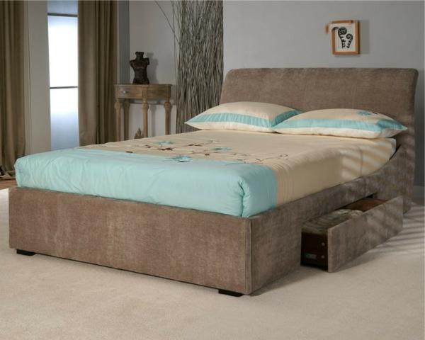 schlafzimmer-blau-und-beige - kissen