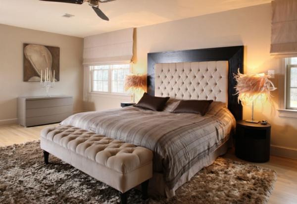 schlafzimmer-design-modern-beige-taupe-shaggy-teppich-schöner-wohnen-farbe - weicher teppich