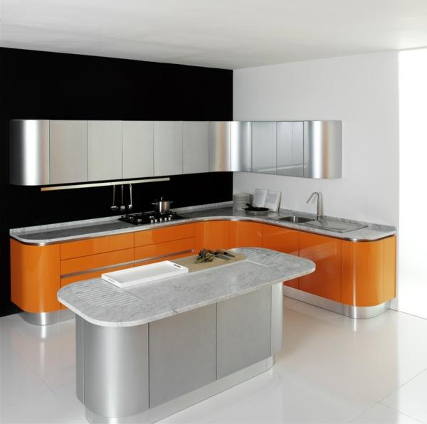 schlichte-gestaltung-einer-küche-mit-modernen-küchenmöbeln- silberne farbe und orange unterschränke kombinieren
