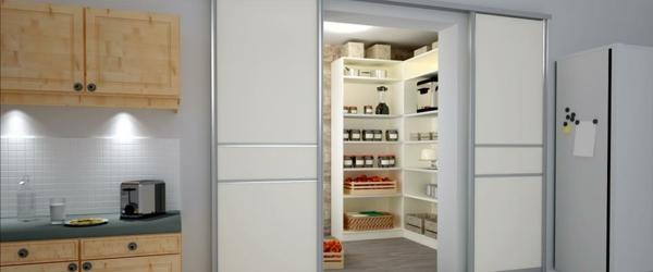 Schiebetür küche holz  Gleittüren selber bauen - die Wohnung modern gestalten - Archzine.net