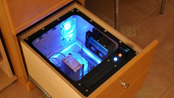Computertisch gamer  Schreibtisch selber bauen -106 originelle Vorschläge! - Archzine.net