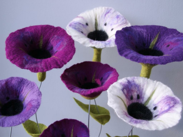 stoffblumen-selber-machen-lila-farbtönungen - moderne bastelideen