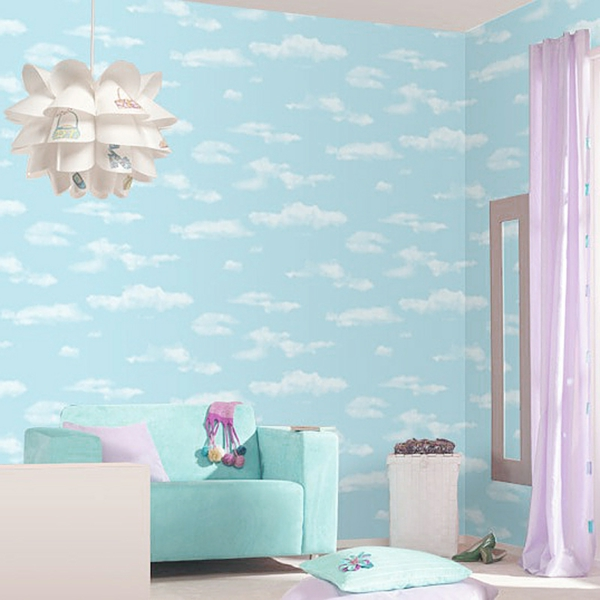 super-schöne-tapeten-für-babyzimmer-himmel- lila gardinen und kronleuchter in weiß