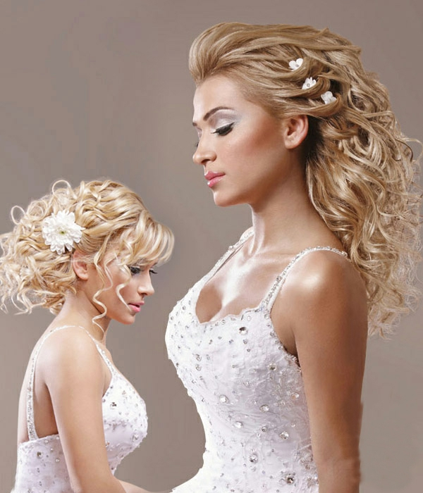 türkische-frisuren-blonde-haare- schönes kleid in weiß