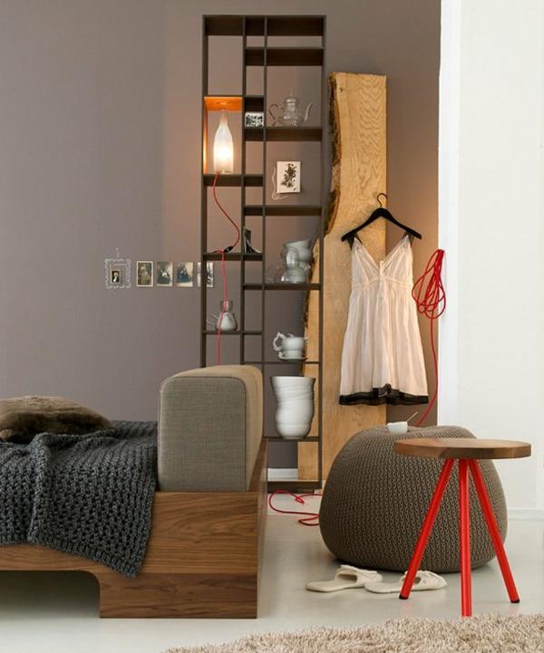 taupe-wandfarbe-fürs-wohnzimmer - schöne regale
