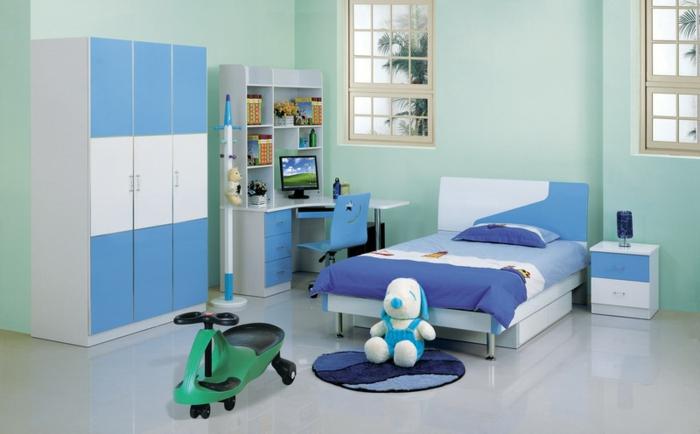 wanddeko-kinderzimmer-junge-blaue-gestaltung