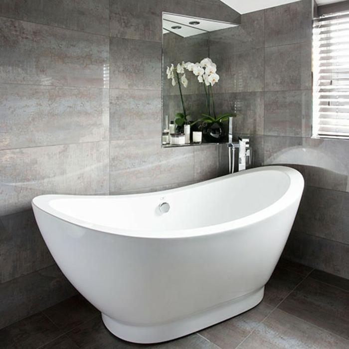 Luxus Badezimmergestaltung mit der Wandfarbe Grau