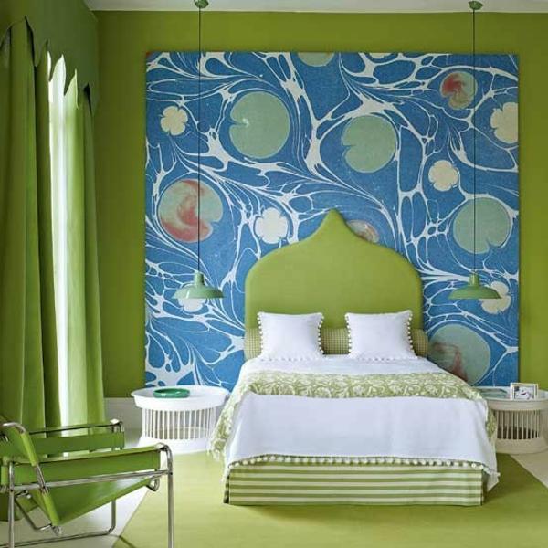 wandfarbe-blau-im-schlafzimmer-mit-grün-kombinieren