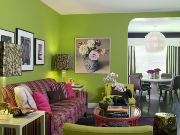 wandfarben-schöner-wohnen-wohnzimmer - schönes rosiges sofa und dekokissen