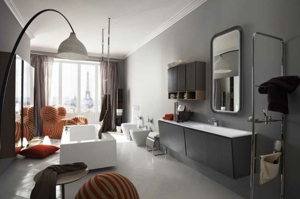 wandfarben trends graue gestaltung sch ne freistehende badewanne. Black Bedroom Furniture Sets. Home Design Ideas