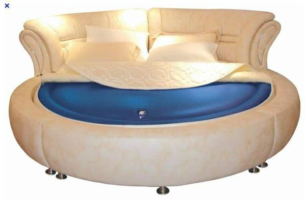 wasserbett-moderne-gestaltung - beige und blau zusammenbringen
