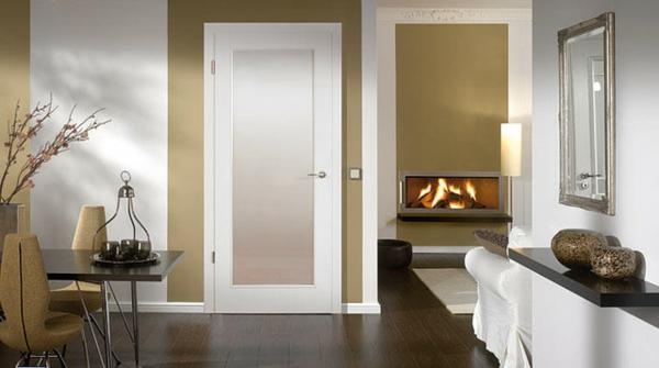 weiße-beschläge-für-glastüren- gemütliches wohnzimmer