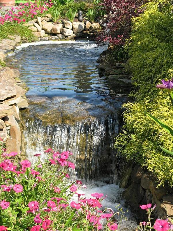 wunderschöne-wasserfälle-im-garte-bauen