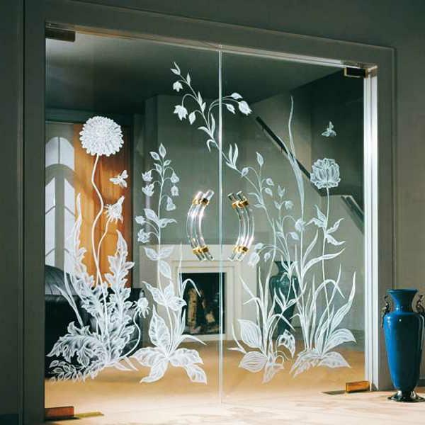 zimmertür-mit-glas-wunderschön-aussehend -mit dekorierenden elementen