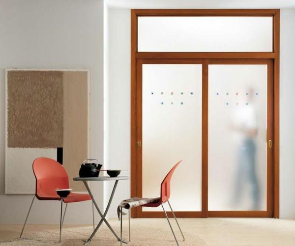 innent ren aus glas f r einen eleganten look. Black Bedroom Furniture Sets. Home Design Ideas