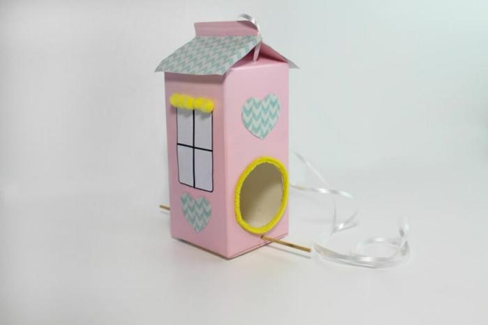 3 upcycling ideen inspiration vogelhaus bauanleitung aus milchkarton kreative bastelideen
