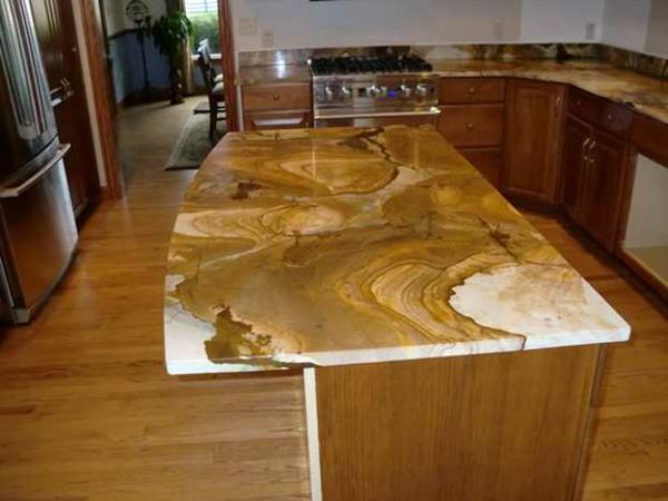 arbeitsplatte-für-die-küche-naturstein-extra platz zum kochen
