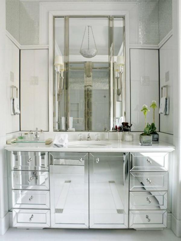 moderner spiegelschrank f r badezimmer stil und klasse. Black Bedroom Furniture Sets. Home Design Ideas