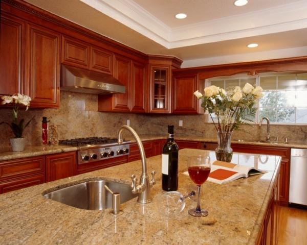 billige-gestaltung-arbeitsplatte-aus-naturstein-für-die-küche-wunderschöne weiße rosen