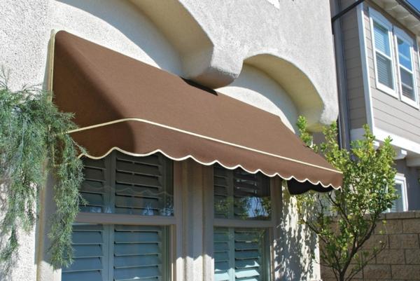 braunes-sonnensegel-für-terrasse