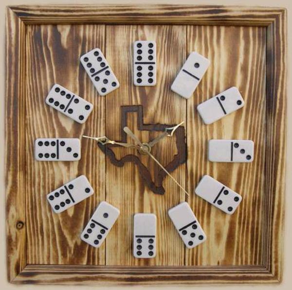 deko-vorschläge-domino-uhr-holz
