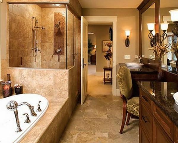 duschkabinen-marmor-modern -spiegel mit hölzernem rahmen