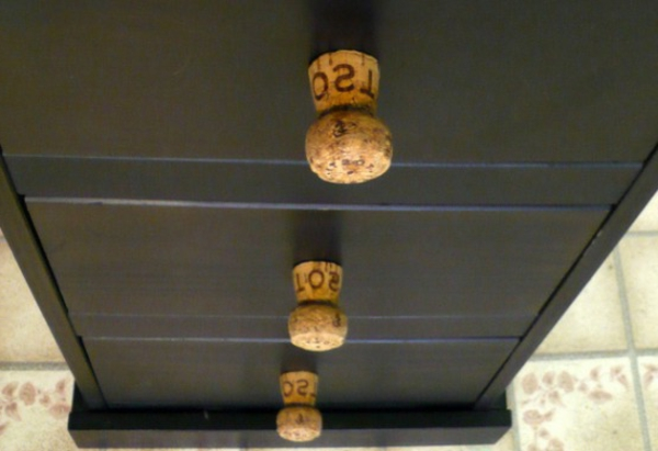 eine-prima-idee-für-basteln-mit-korken-griffstücke-schubladen