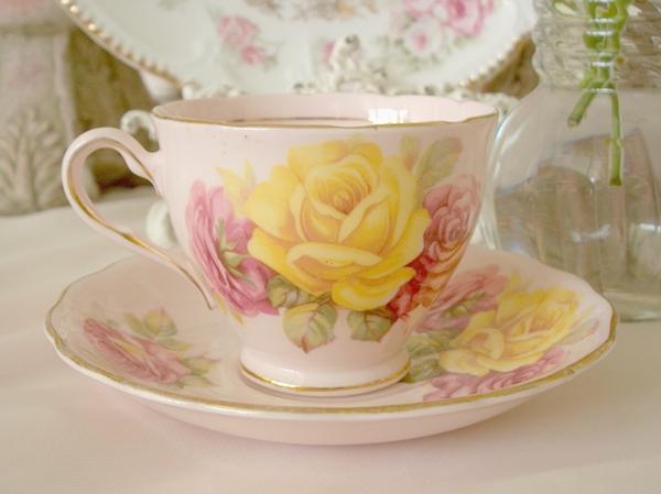 eine-süße-tasse-vintage-stil-zärtliche farbschemen