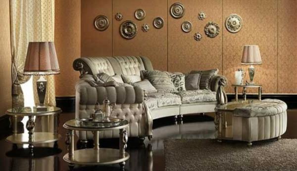 extravagante-wohnzimmergestaltung-graue dekokissen und wunderschöne lampen