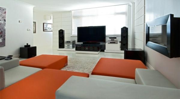 farbe-orange-akzent-mit-sofas