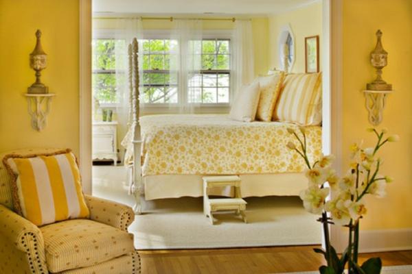 gelbe-farbtöne-Yellow-Bedroom-Ideas-1024x683