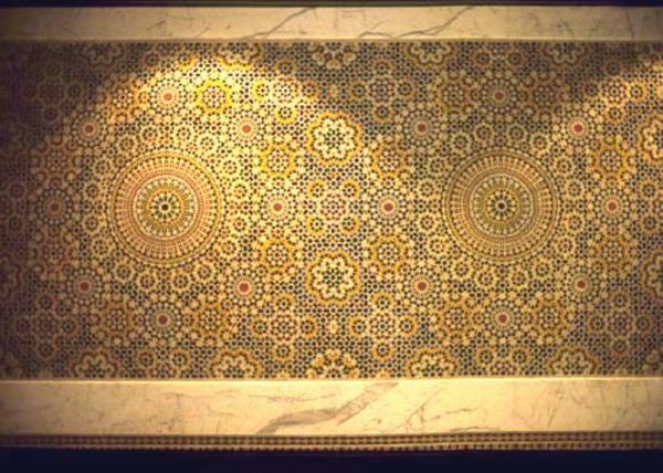 Badezimmer orientalisch gestalten goldene farbe für orientalische