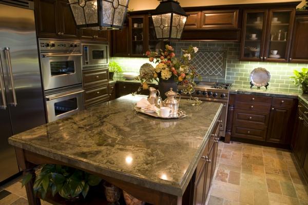 granit-arbeitsplatte-aus-naturstein-für-die-küche-elegante dekoartikel