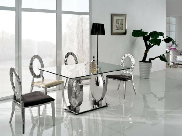hochtisch-aus-glas-und-stühle-elegante ausstattung