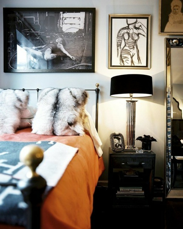 inspiration-schlafzimmer-schwarze-lampe- orange bettbezüge und dekorative kissen