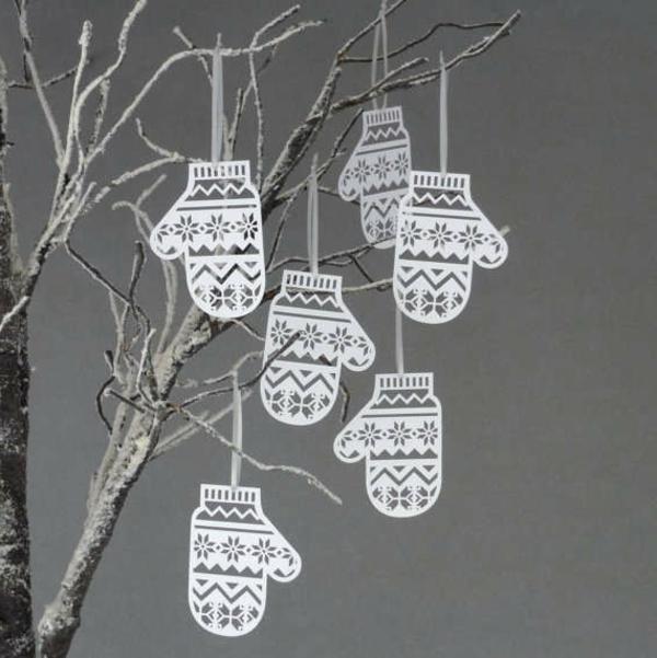 interessante-bastelideen-zum-weihnachten- weiße handschuhen