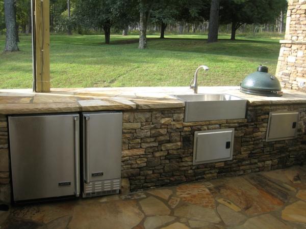 küchenarbeitsplatte-granit-draußen ausstatten