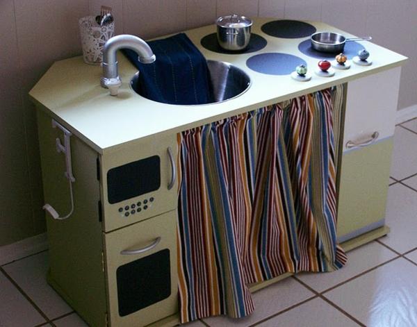 kinderspielküchen-aus-holz-beige-2