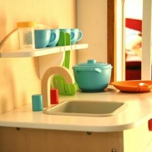 Kinderspielküchen aus Holz – erfreuen Sie Ihr Kind!
