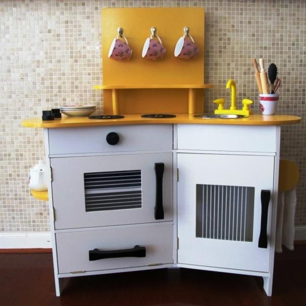 kinderspielküchen-aus-holz-weiß