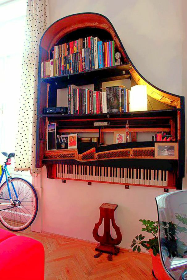 klavier-originelle-bücherregale