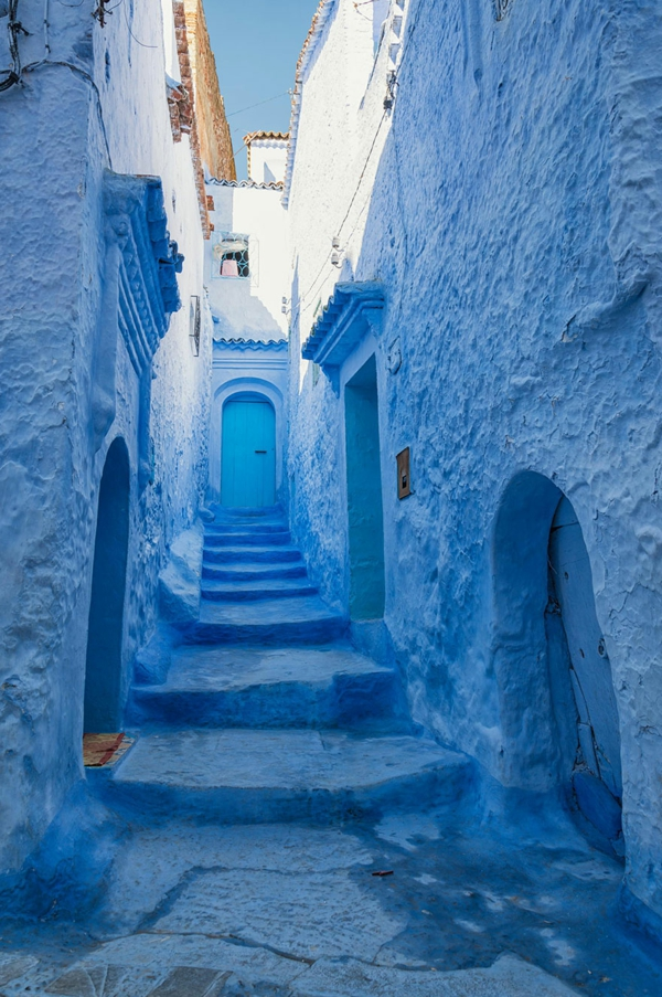 kreative-gestaltung-alte-stadt-in-morocco-blaue-farbe