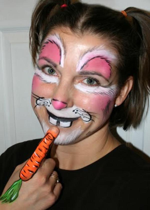 lustiger-look-hasengesicht-schminken- eine orange möhre