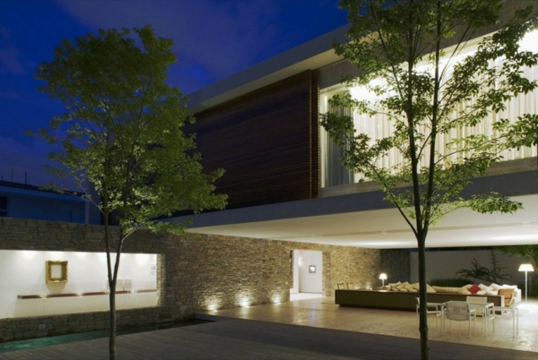 luxuriöses-haus-minimalismus-architektur-super großes haus