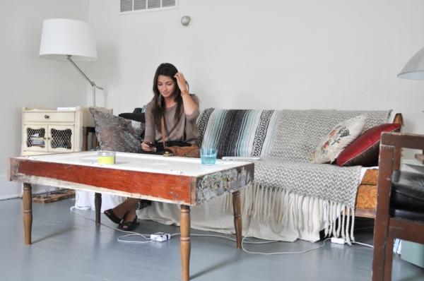 möbel-auf-alt-gemacht-tisch-möbel-mit-vintage-look-selber-machen