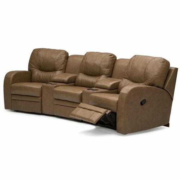 modell-vom-sofa-für-heimkino- hintergrund in weiß