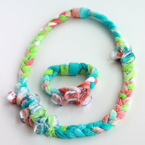 moderne-sachen-basteln-zum-muttertag- kette und armband
