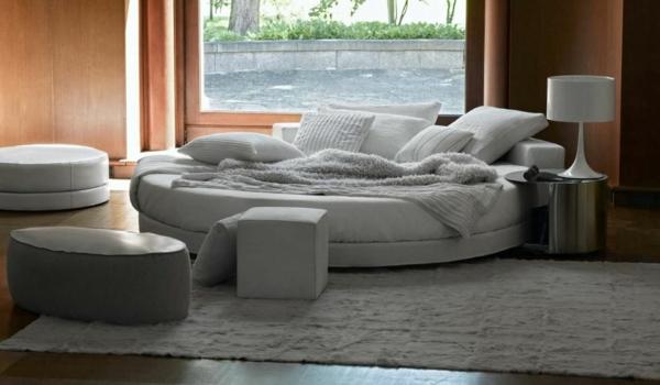 moderne-schlafzimmermöbel-weiße-farbe-bettbezüge in weiß