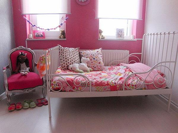 moderne-wandgestaltung-mädchenzimmer-rosa- plüschtiere