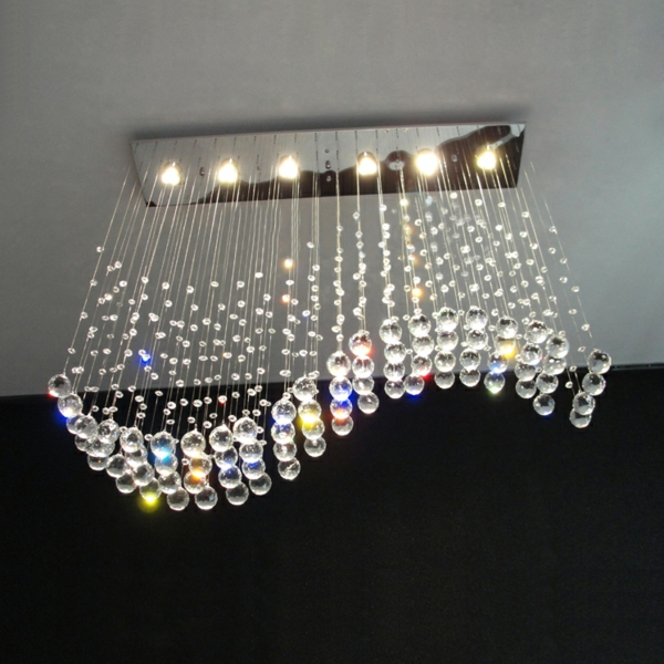 moderner-lüster-aus-kristall-originelle form
